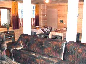 accommodations, rooms for rent, lumberjack guesthouse, oktyabrsky, kirovsk, hiking tours in khibiny mountains, bicycling tours, stalin camps, stalinist, gulag, camp, rafting tours, umba river, snowmobile tours,i ski holidays, kola peninsula, kola travel